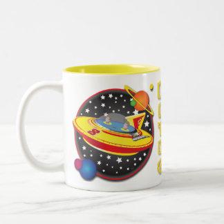 Diseño de la taza del platillo volante de 2