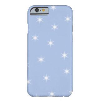 Diseño de las estrellas blancas y azules funda de iPhone 6 barely there