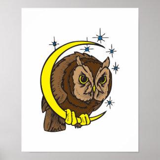 Diseño del tatuaje del búho y de la luna póster