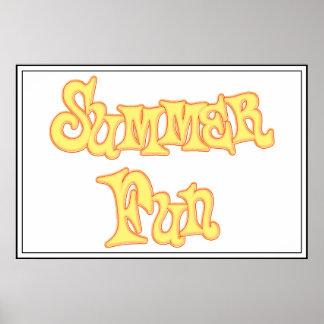 Diseño del texto de la diversión del verano póster