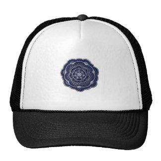 Diseño dibujado mano del tapetito de la flor gorras de camionero