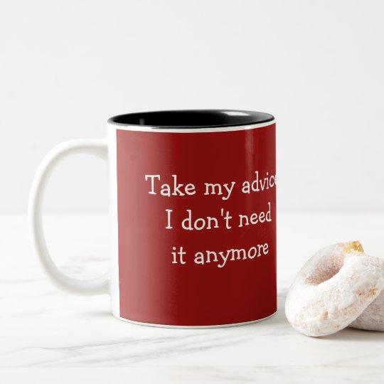 Diseño divertido de la taza de café del consejo
