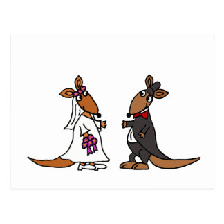 Diseño divertido del boda de novia y del novio del postal