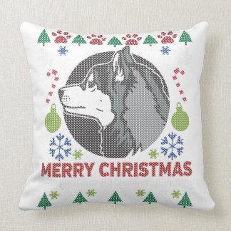 Diseño feo del suéter de las Felices Navidad del Cojín Decorativo