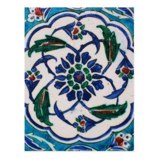 Diseño floral azul y blanco de la teja de la era postal
