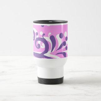 diseño floral rosado del corazón púrpura termo taza de viaje