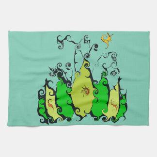 Diseño frondoso en la toalla de cocina