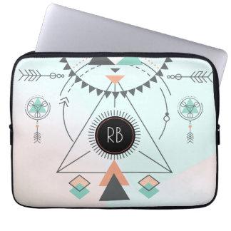 Diseño geométrico colorido tribal del tótem funda para ordenador