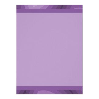Diseño geométrico de los triángulos púrpuras invitación 16,5 x 22,2 cm