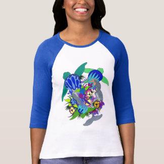 Diseño hawaiano de la camiseta