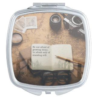 Diseño inspirado de la cita de Steampunk del Espejo Maquillaje