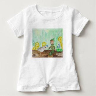 Diseño lindo del arbolado del mameluco del bebé