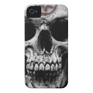Diseño malvado satánico del cráneo funda para iPhone 4 de Case-Mate