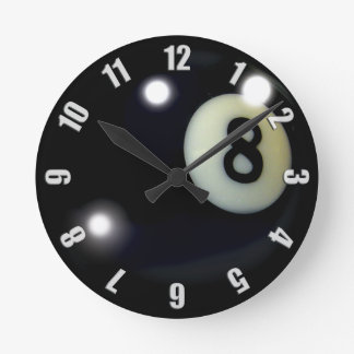 Diseño negro del reloj del juego 8-Ball
