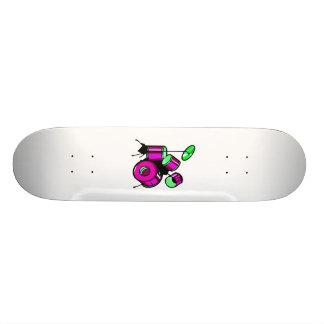 Diseño púrpura gráfico determinado de la imagen de patin