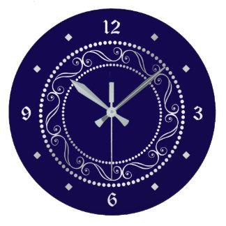 Diseño retro adornado de plata elegante reloj redondo grande