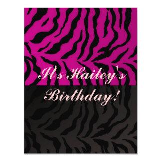 Diseño rosado de la cebra de cumpleaños de las invitación 10,8 x 13,9 cm