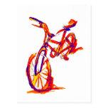 Diseños coloridos de la bici tarjeta postal