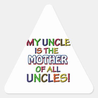 Diseños divertidos de la familia pegatina triangular