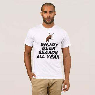 Disfrute de la estación de la cerveza todo el año camiseta