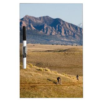 Diversión Biking de la montaña de Colorado Tableros Blancos
