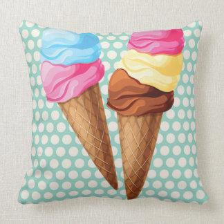 Diversión de la almohada de tiro del helado