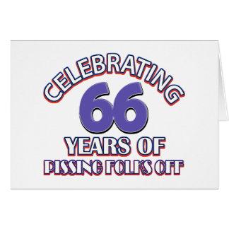 Divertido celebrando 66 años de infierno de tarjeta de felicitación