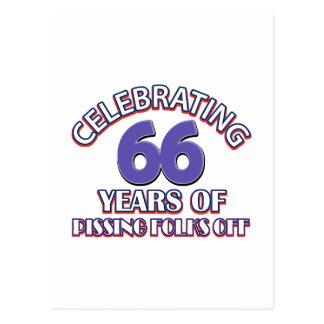 Divertido celebrando 66 años de infierno de postales