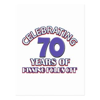Divertido celebrando 70 años de infierno de postales