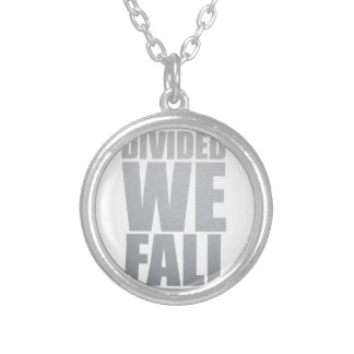 DIVIDED WE FALL COLLAR PLATEADO