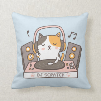 DJ lindo rasguña la almohada de tiro del gato del