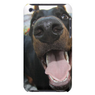 Doberman lindo iPod Case-Mate cárcasa