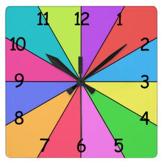 Doce colores de brillante reloj cuadrado