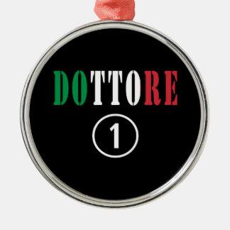 Doctores italianos: Uno de Dottore Numero Adorno Redondo Plateado