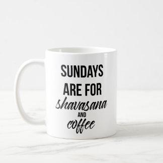 Domingos están para Shavasana y la taza de café