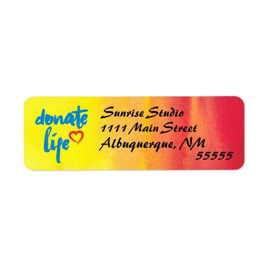 Done la vida con la acuarela roja y amarilla etiqueta de remite