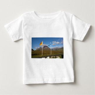 dos banderas de Escocia Camiseta De Bebé