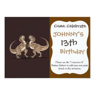 Dos dinosaurios que se luchan ejemplo invitación 12,7 x 17,8 cm