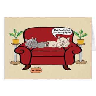 Dos gatos en cumpleaños del humor de la silla tarjeta de felicitación