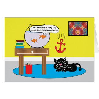 Dos pescados y un cumpleaños del gato negro tarjeta de felicitación