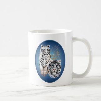 Dos tigres blancos ovales tazas de café