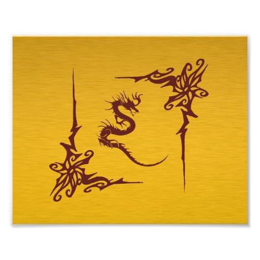 Dragón chino de la mitología, remolinos - oro rojo