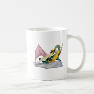 Dragón enojado del respiradero del fuego de la taza clásica