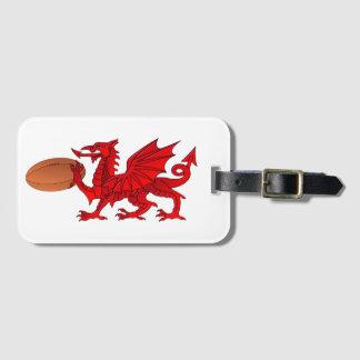 Dragón Galés con una etiqueta del equipaje de la