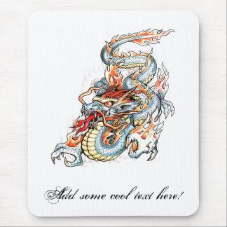 Dragón oriental ardiente fresco alfombrilla de ratón