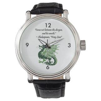 Dragón y su rey Lear Cartoon de Shakespeare de la Reloj De Mano