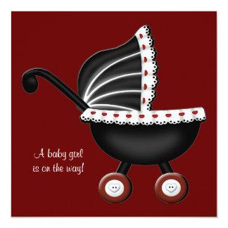 Ducha roja de la niña del carro de bebé invitación 13,3 cm x 13,3cm