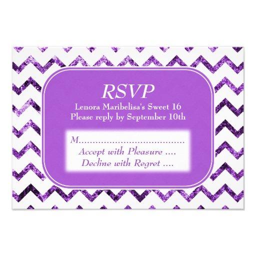 Dulce púrpura 16 del modelo de Chevron Invitación