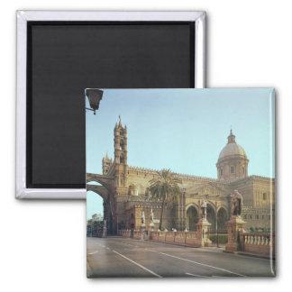 Duomo del EL, fundado por Gualterio, arzobispo de  Imán Cuadrado