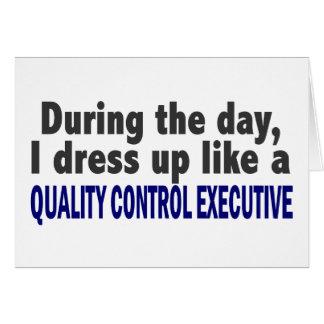 Durante el ejecutivo del control de calidad del dí tarjeton